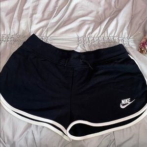 NIKE Casual Shorts with pockets